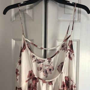 Brandy Melville Dresses - Cute and casual floral dress!